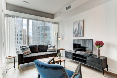 Beautiful 1 bedroom unit in brand new Tour des Canadiens 2