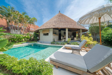 3 Bedrooms Private Pool Villa with Tropical Garden
