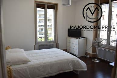 Lovely one-room apartment for 3 ✨ Hyper center near station/Tram  #L7
