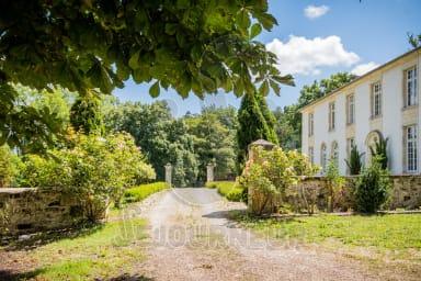 Locations Saint Pey de Castets appartements maisons villas