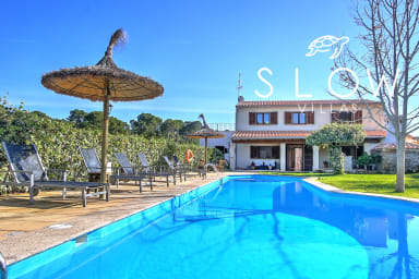 Villa Ca Na Capitana, beautiful family villa for rent with pool and garden