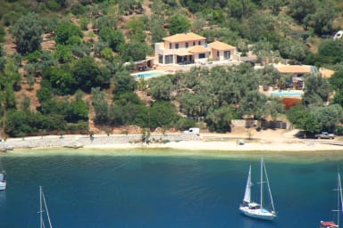 Environment Villa, olive trees, beach, sea and sailing