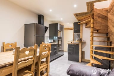 (715) Amazing SKI-IN SKI-OUT Duplex: Charm, High Quality, Modern Comforts