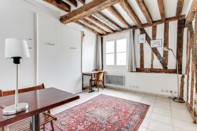 Rustic Studio in Rue Montorgueil