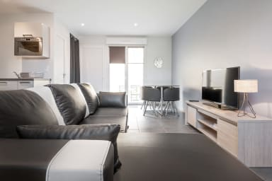 House Duplex Terrace n ° 2 near IUT Lyon 1 / INSA