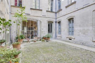 Triplex atypique et confortable à Avignon – Welkeys