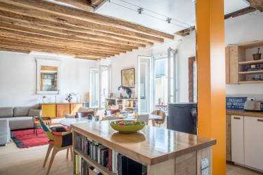 Loft-inspired flat near Montmartre, sleeps 4