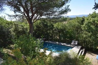 Vue spectaculaire, 3 chambres, grande piscine, pas de voisinage