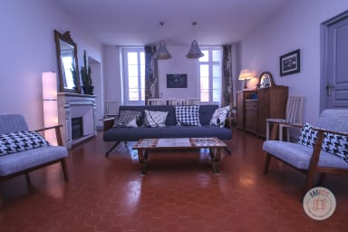Very nice apartment located in the center and close to the port