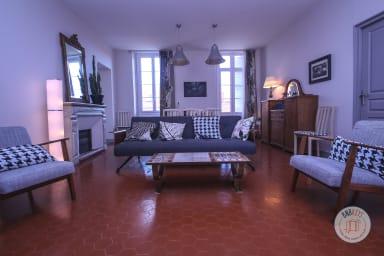 Très bel appartement situé en plein centre et à proximité immédiate du port