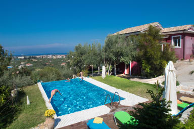 Villa Dioni - Nested on Lefkada Town Hill