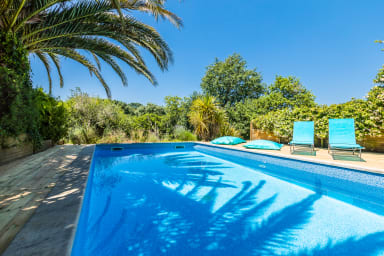Large house of 160m2 with pool