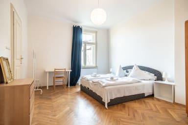 Spacieux appartement de trois chambres à Vinohrady par easyBNB