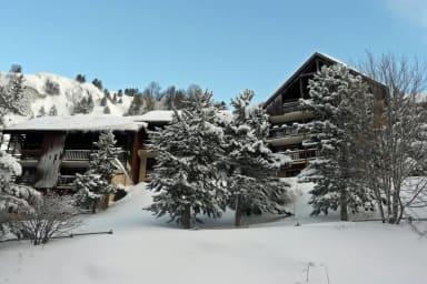 the residence Les Balcons de la Meije in winter