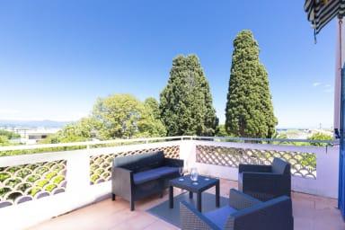 BNB RENTING Chez Sophie - 2 chbres 2-4pers terrasse vue mer piscine garage