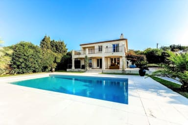Exceptional villa in the heart of Saint Tropez with swimming pool