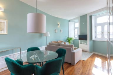 Modern and Bright 2BR Home - 3rd