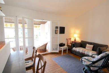 Appartement 2 pièces avec grand balcon à Port Grimaud Sud