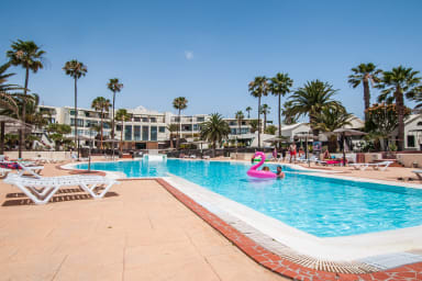 Estrella de Mar shared swimming pool