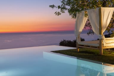 10%:Luxury Villa with endless sea view,close to famous Porto Katsiki!