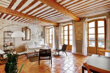 Charmant appartement traditionnel avec garage au coeur d'Avignon - Welkeys