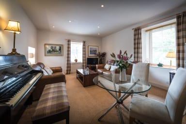 Living room & piano