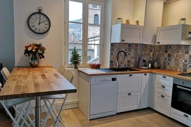 Très bel appartement ancien rénové-belles prestations #U4