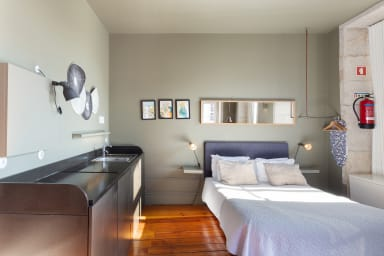Gorgeous Home in Central Porto (2 Guests) 01