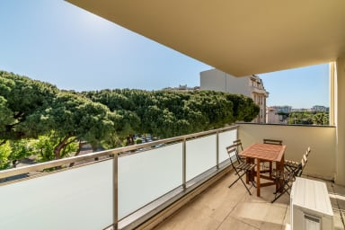 Fresh apartment close to beach in Cannes by easyBNB