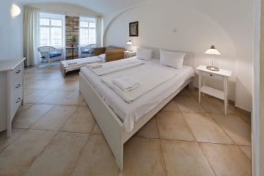 PragueStars White Swan Apartment 2