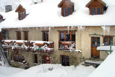 Grande maison conplétement rénovée architecture typique des alpes