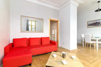 Renovated, bright and spacious luxury apartment at 200m from Monaco
