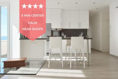 👌 NEW 👌 Designer's apartment, 15-minute walk to the Palais & beaches! 👌
