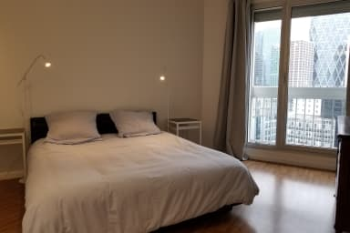Cosy Apartment in The Modern City of Puteaux