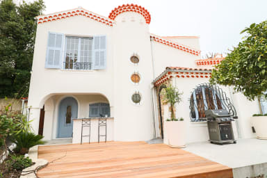 Brand new restoration of charming provençal villa in Central Antibes
