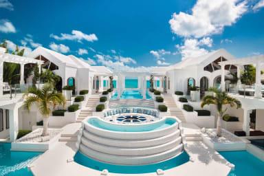 Mandalay Villa // Winner of HGTV Ultimate House & Intl. Property Awards