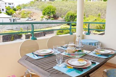 APP ACROCH'KER Table à manger Saint-Gilles les Bains
