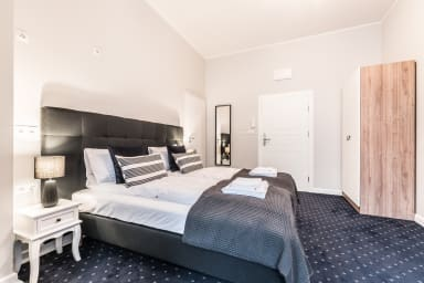 The bedroom is perfect for guests who value peace and a moment for themselves.