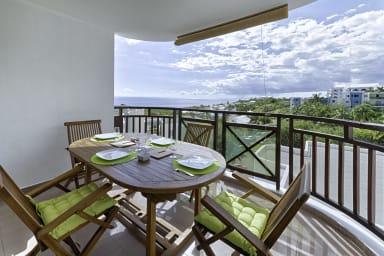 Appartement Emeraude Deck avec mobilier Plateau Caillou