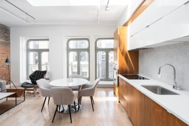 Skylight apartment located in Old Port