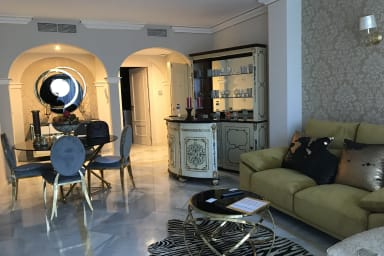Magna Marbella Luxurious apt. at 5 mins from the beach by easyBNB