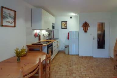 salle à manger et coin cuisine