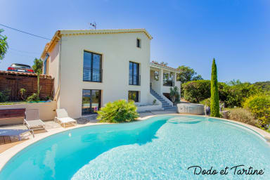 Outstanding 4 bedroom house with swimming pool - Dodo et Tartine