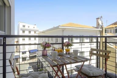 T2 chaleureux avec balcon à 2 pas des plages de Biarritz – Welkeys