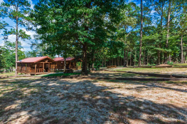 Lake Time Cabin - Waterfront on Lake Sam Rayburn
