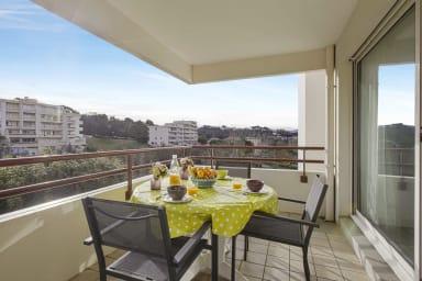 Charmant T2 avec terrasse & parking à Biarritz, 5 min de la plage - Welkeys