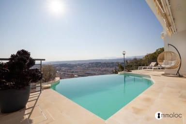 Villa haut standing vue intégrale sur NICE