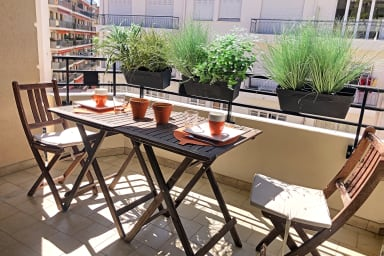 Cannes - Rue d'Antibes - Brand new 1 BR apartment balcony south facing
