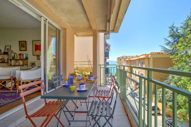 Nice flat 1min from the beach with terrace & sea view in Ajaccio - Welkeys