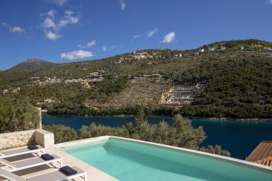 Villa Sillas with Direct Sea Access and Sivota Village Access